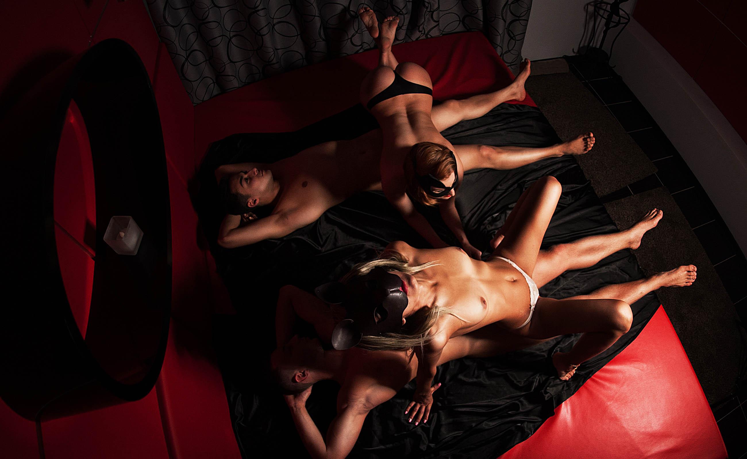 порно массажный салон семейных
