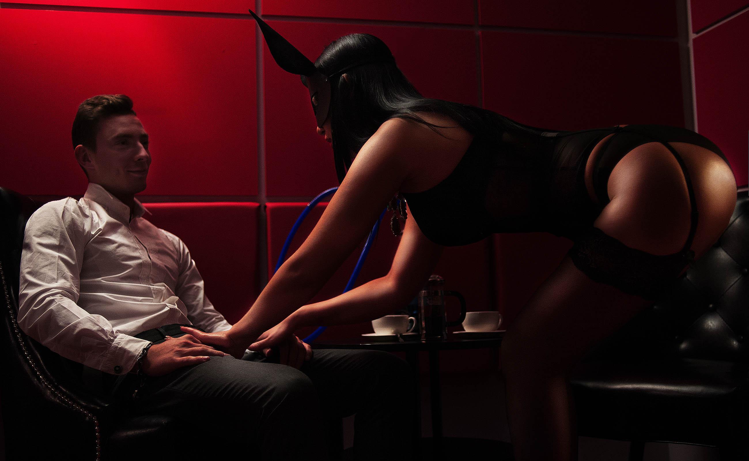 salon-muzhskogo-eroticheskogo-massazha